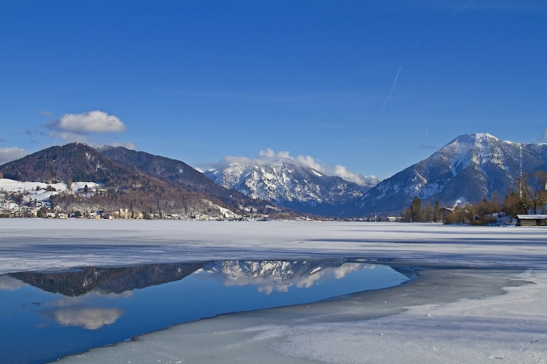 Winter wonderland with the frozen Lake Spitzingsee