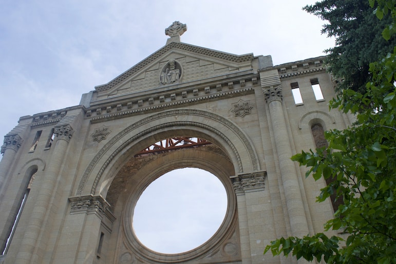 Things to do in Winnipeg: for its colourful culture visit Saint Boniface Cathedral