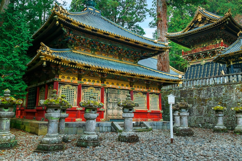 Places to go in Japan - visiting Nikko Toshogu Shrine is one of the best things to do in Japan | pic: cowardlion