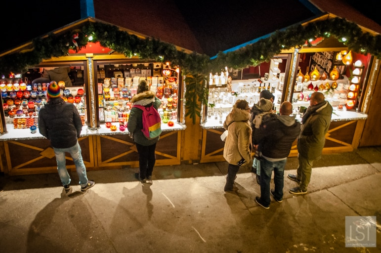 Stalls at the Christmas market in Marktplatz, Innsbruck