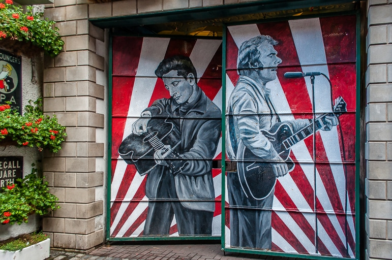 Things to do in Belfast - a place of music and legendary nights out - Belfast's Cathedral Quarter