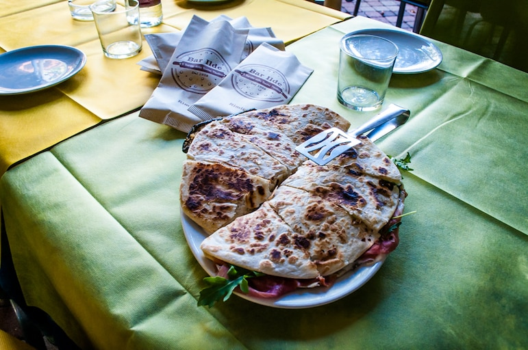 Piadina filled with vegetables, tomatoes and aubergine at Bar Ilde