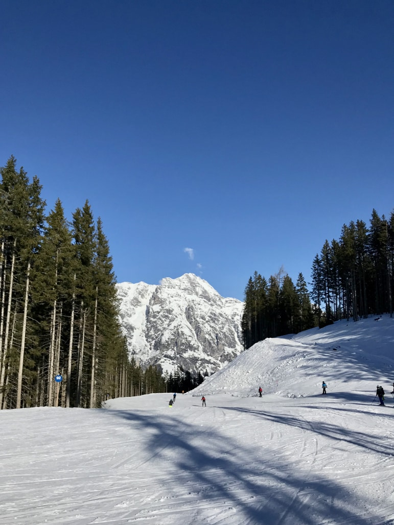 A bluebird day in the Skicircus