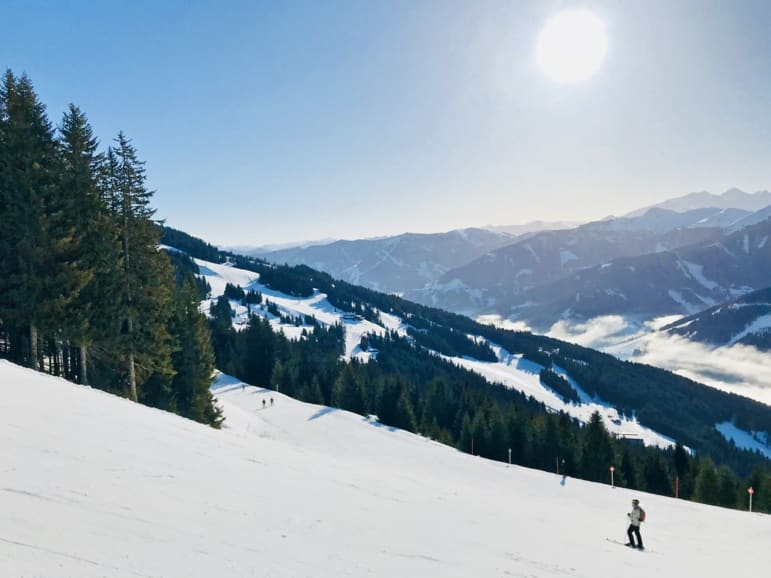 Pausing on the piste - perfect conditions in the Skicircus region