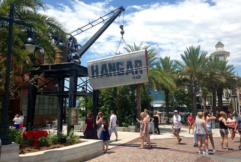 Jock Lindsay's Hangar Bar is a fun venue to hang out for food and drinks at Disney Springs | Pic Jedi94