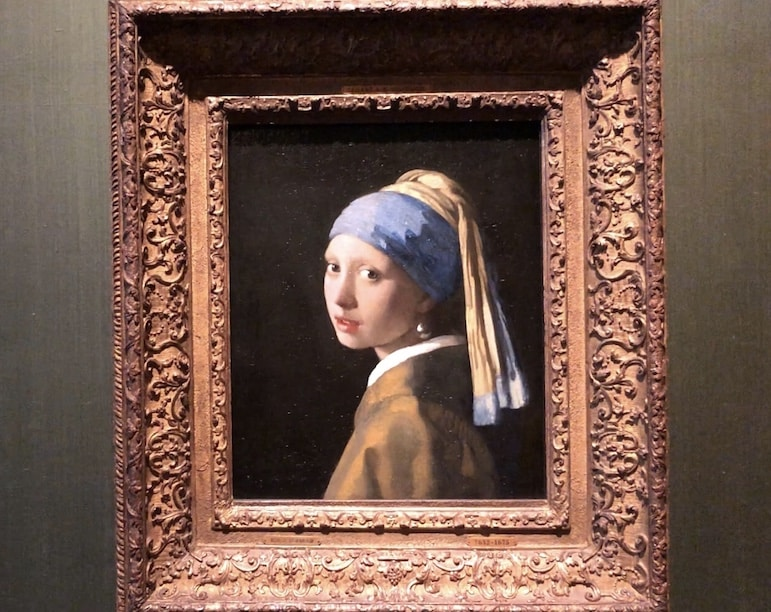 Girl with the Pearl Earring, Mauritshuis museum The Hague