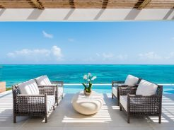 10 top tips for booking a luxury holiday villa