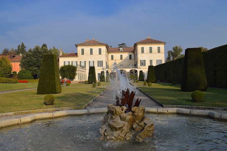 The mansion and grounds of Villa Panza in the Italian Lakes region of Varese | Pic Lorraine Loveland