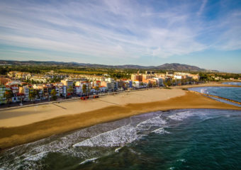 Playa Torreblanca in Fuengirola is a popular beach for families, which never gets too crowded