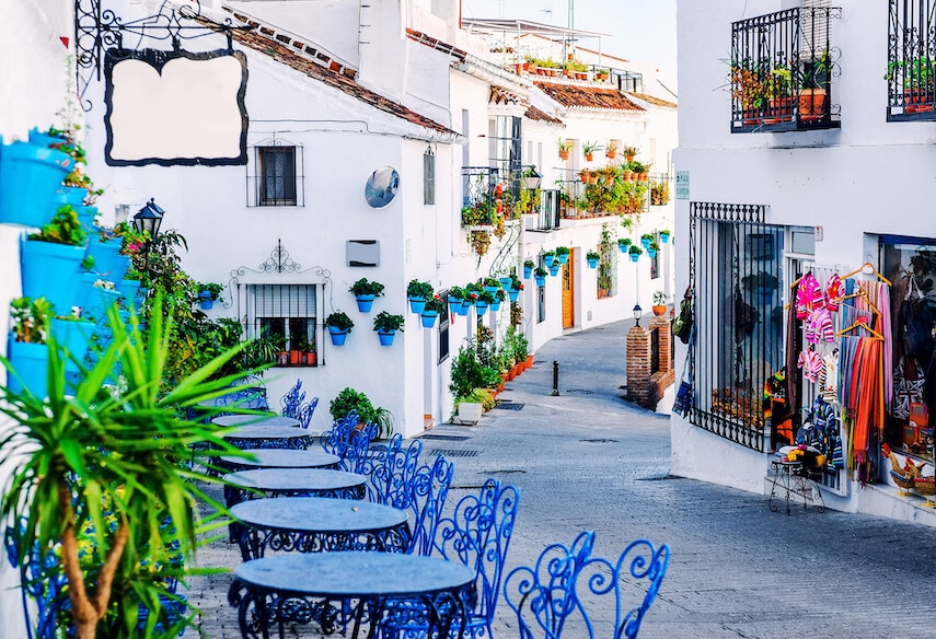 The beautiful White Town of Mijas has a very arty vibe to it and you'll find several craft shops