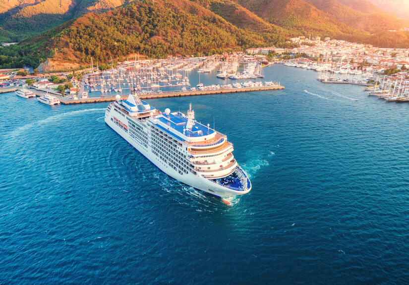 RCI cruise ships take you around the world